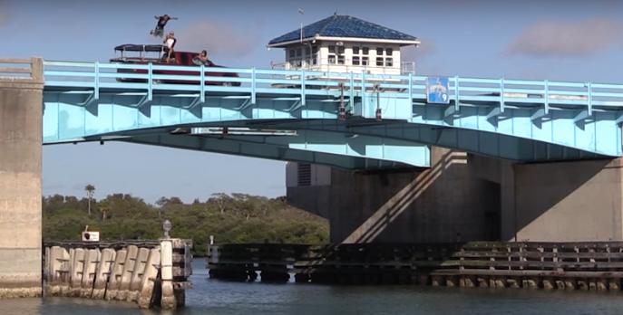 2017-03-13 11_48_41-Daredevil Steve-O Ups The Ante With Cringeworthy Near-Death Bridge Stunt